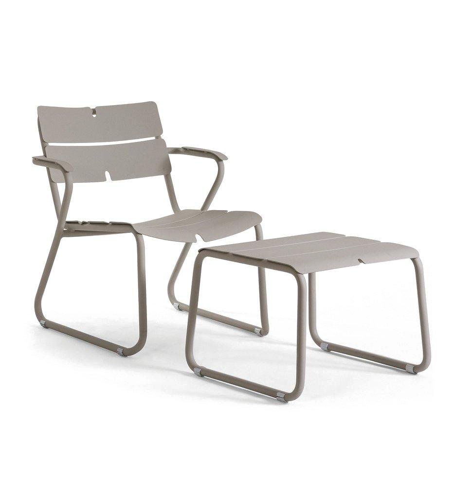 Oasiq | Corail Lounge Chair - Arm | Grey Aluminum with Footstool | Outdoor