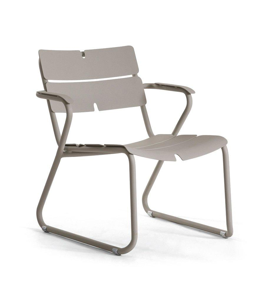 Oasiq | Corail Lounge Chair | Arm | Grey Aluminum | Outdoor