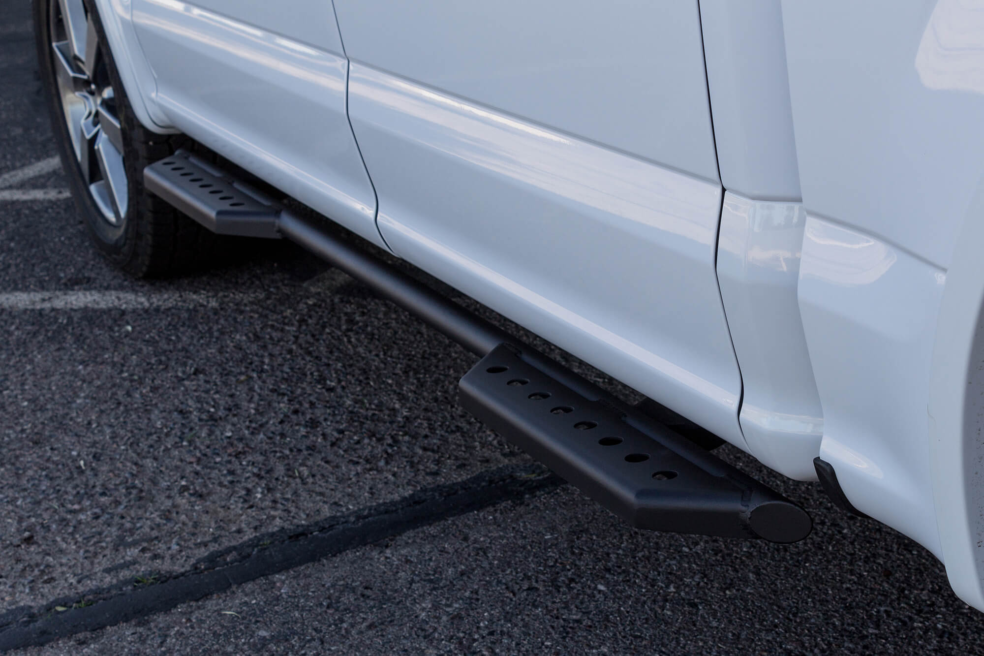 FORD F-SERIES STEALTH SIDE STEPS (4 DR)