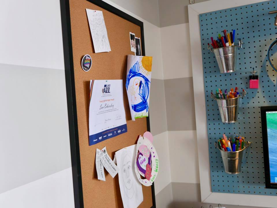 Show off your kid's art and stay organized at the same time