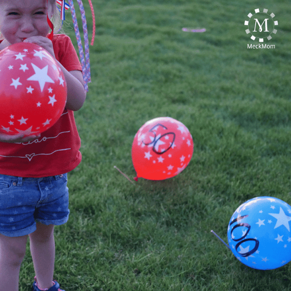 4th of July Mom Hacks: Yard Balloon Shoot Out