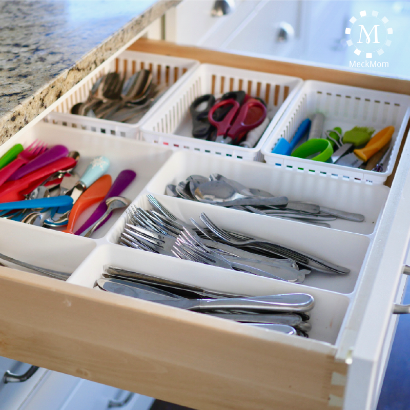 A few great tips for controlling kitchen drawers