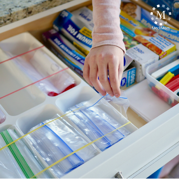 MeckMom Kitchen Hacks Ziplock Baggie Storage