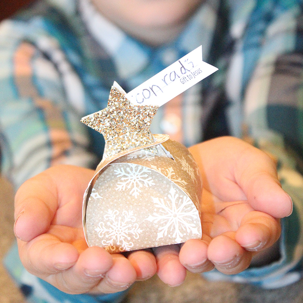 FREE 12-Day Christmas Advent: Day 10-Decorations-MeckMom