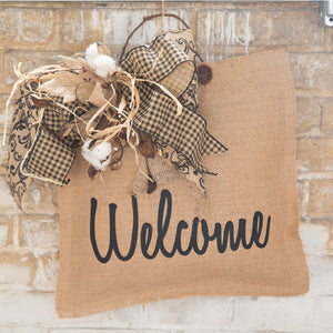 Welcome Door Hanger, www.theburlapcottage.com
