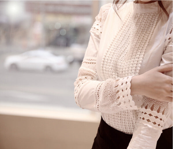 Evening Story Smart Hollow Lace Top