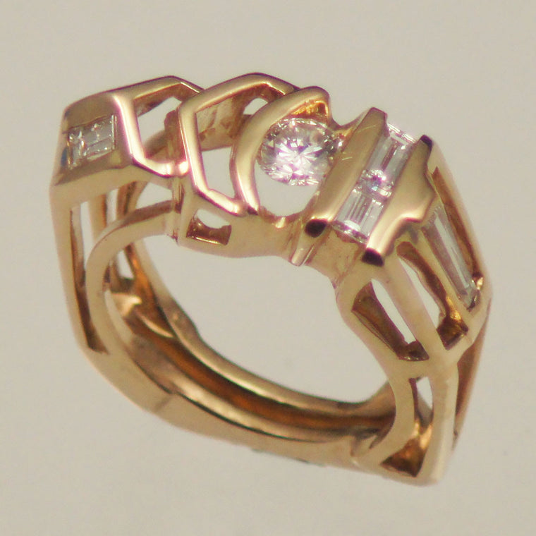 Structural diamond ring in14kt yellow gold