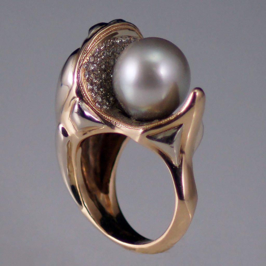 Pearl and diamonds in 14kt yellow and white gold