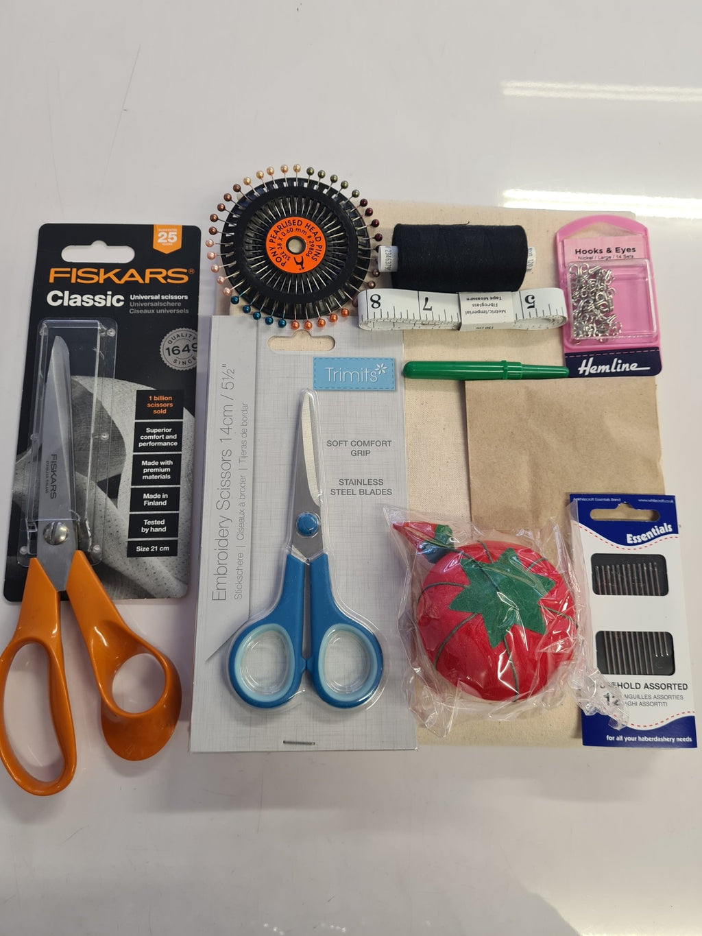 College Kit A (Fiskars Scissors) - The Fabric Counter