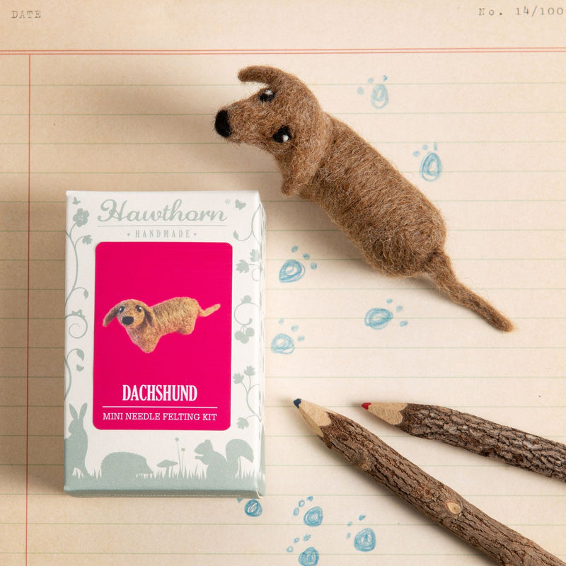 Dachshund Mini Needle Felting Kit - The Fabric Counter