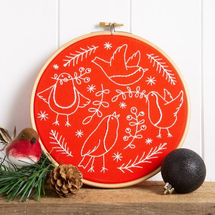 Red Robin Embroidery Kit - The Fabric Counter