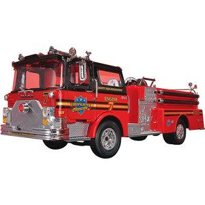Revell Model Car Mack Fire Pumper - Jouets LOL Toys