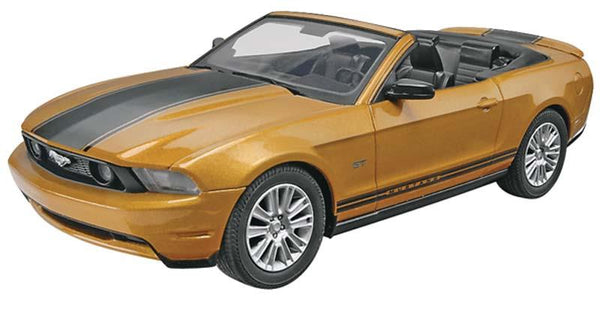 Revell Model Car 2010 Ford Mustang GT Convertible - Jouet LOL Toys