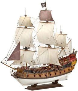 Revell Model Boat Pirate Ship - Jouets LOL Toys