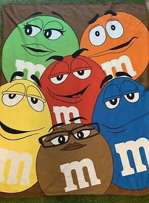M&M Blanket Character Group