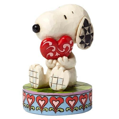 Peanuts Snoopy with Heart Figurine - Jouets LOL Toys