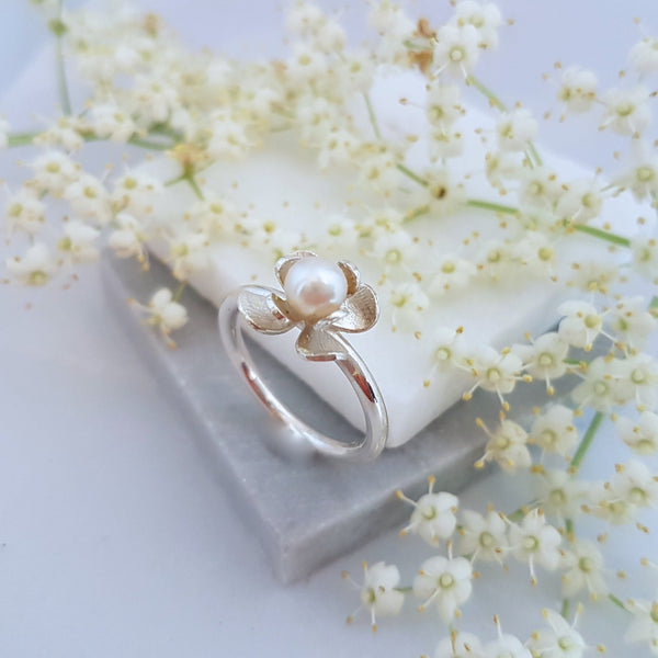 Pearl Flower Ring, Freshwater Pearl Ring, Pearl Botanical Ring, June Birthstone