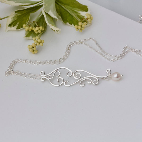 Vintage Style Romance Necklace, Silver and Pearl Brides Necklace