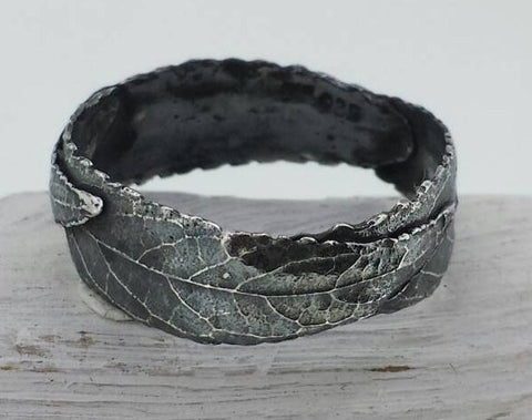 Three Leaf Ring, Black Ring, Unisex Ring, Rustic Ring, Silver Leaf Ring, Thumb Ring