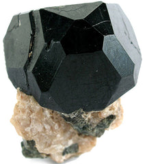 Black spinel crystal