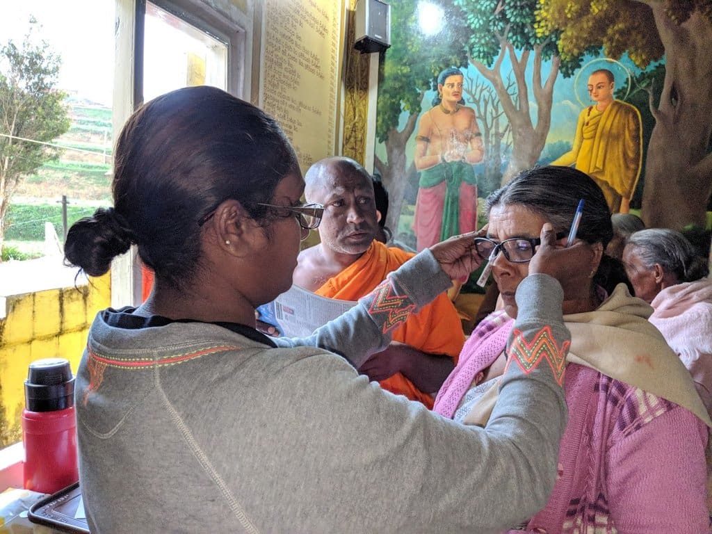Giving free eyeglasses