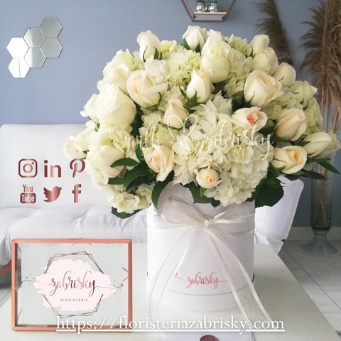 We Take Care in Selecting the most #Fresh #Blooms to Create Products whit #love ♥