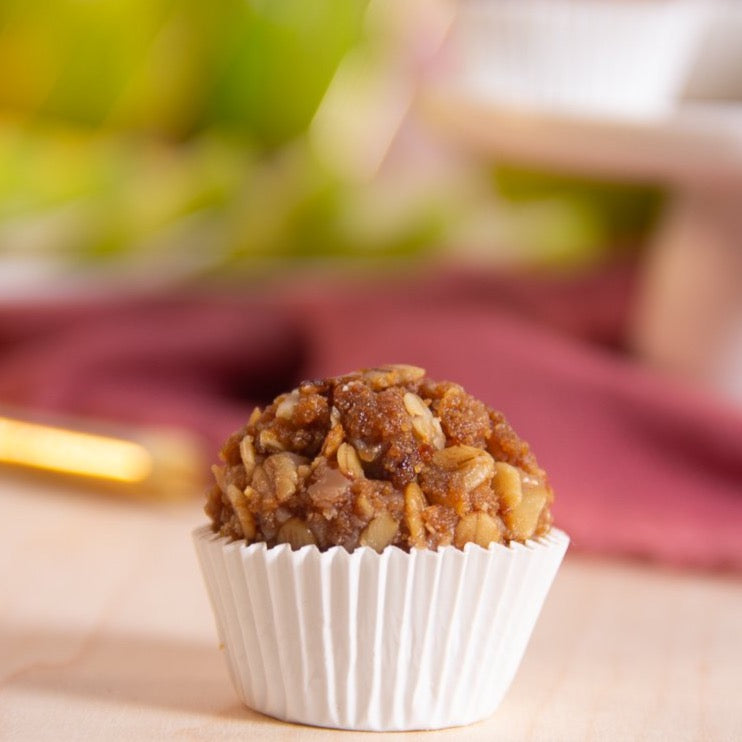 FLAVOR OF THE MONTH - Apple Crumble Brigadeiro