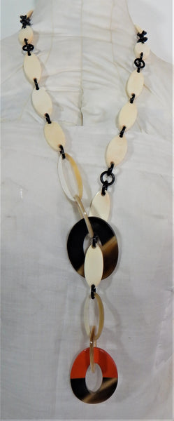 Necklace lacquer