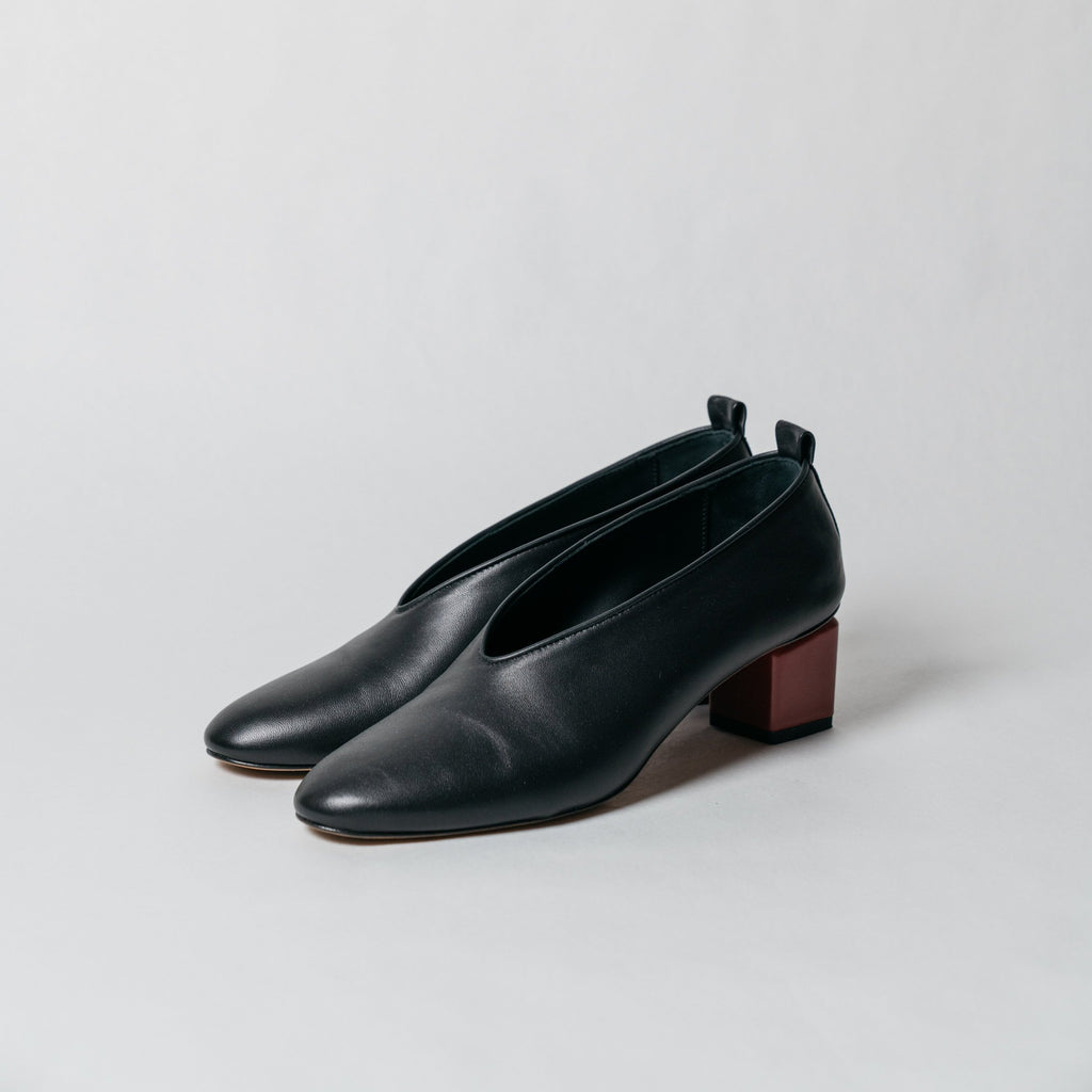 Grey Matters Mildred Classic Black | BIGGERCODE