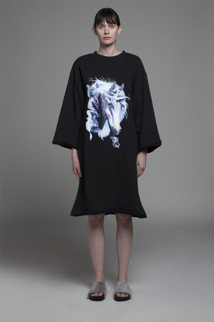OVERSIZE 'UNICORN' PRINTED SWEATDRESS