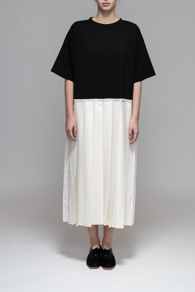 GMINOR PLEATED DRESS