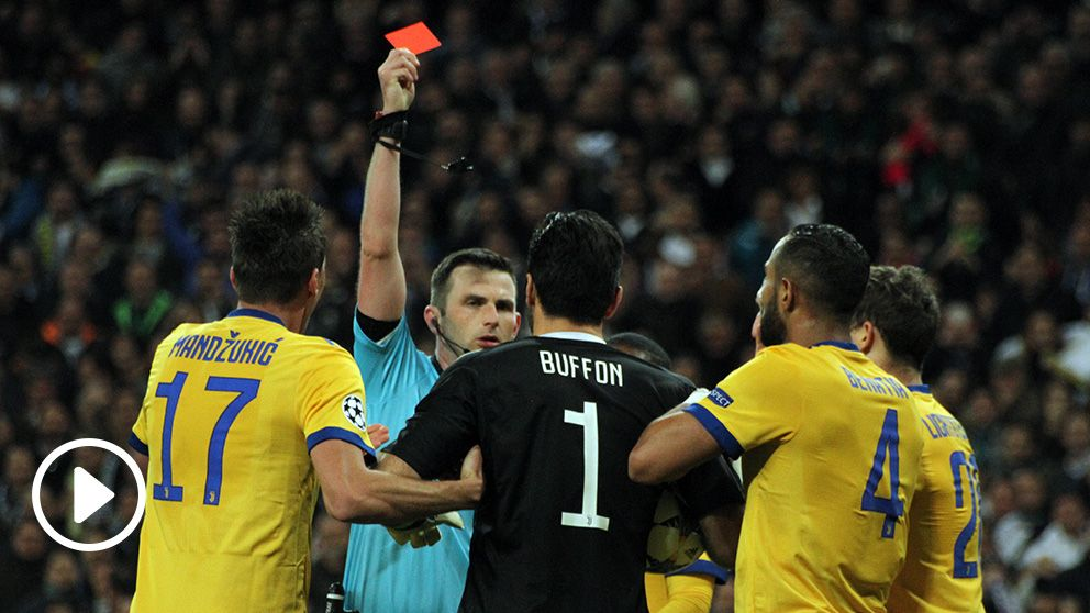 Buffon red card