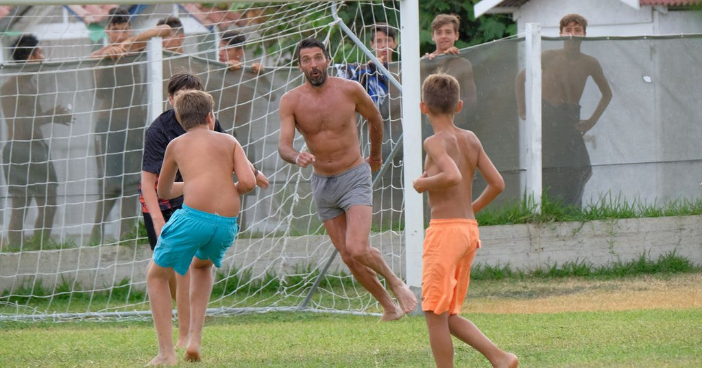Buffon playing on holiday