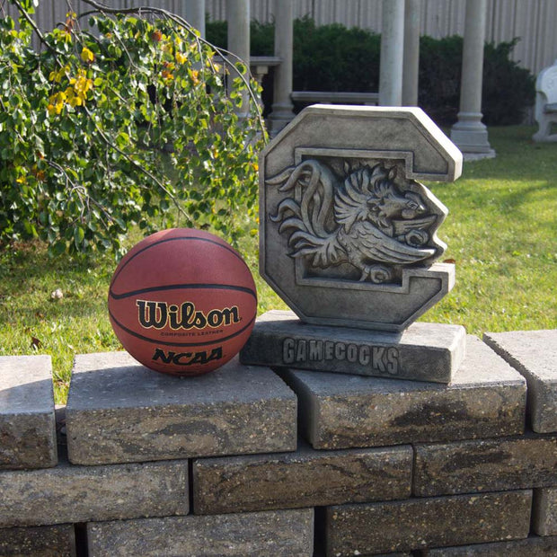 Minnesota Golden Gophers Yard Art Goldy Gopher Garden Statue in Gray