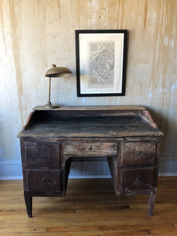 Italian Decor with Tuscan antique desk, vintage lamp and antique artwork