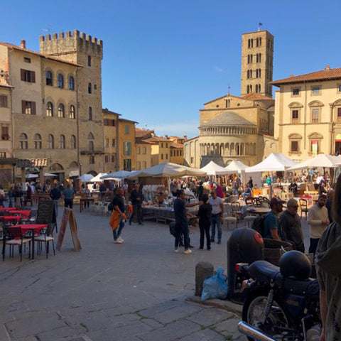 Tuscan Style Home Décor: A Guide The 5 Main Things to Know - My recent visit to the Arezzo antique fair, on the hunt for more unique Tuscan style antiques