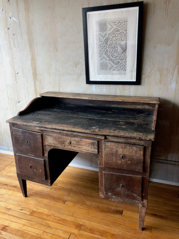 Rustic antique desk from Tuscany.