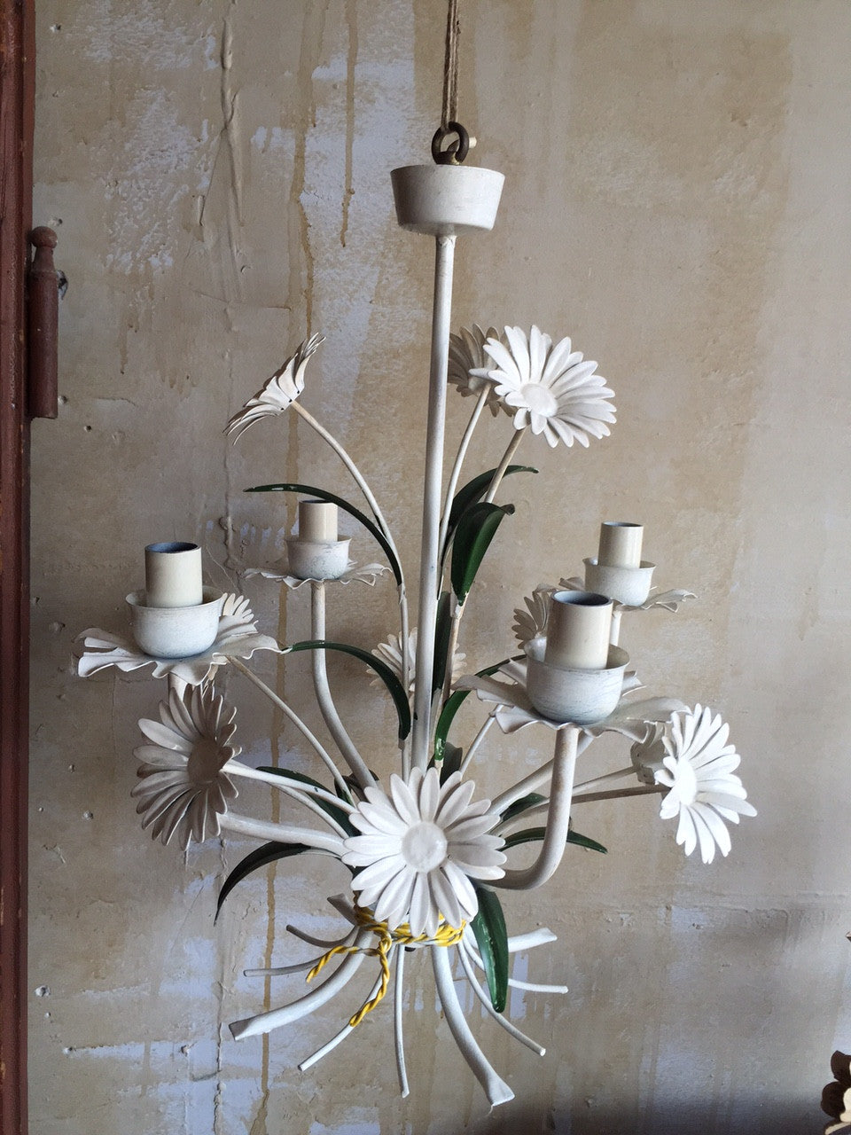 Vintage Tole Chandelier with Daisies Vintage Tole Chandelier - Daisy -  Mercato Antiques - 1 ... - Vintage Tole Chandelier With Daisies MERCATO Antiques