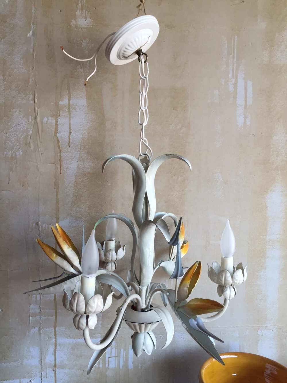 Soldvintage tole chandelier with bird of paradise vintage tole chandelier with bird of paradise mercato antiques 1 arubaitofo Image collections