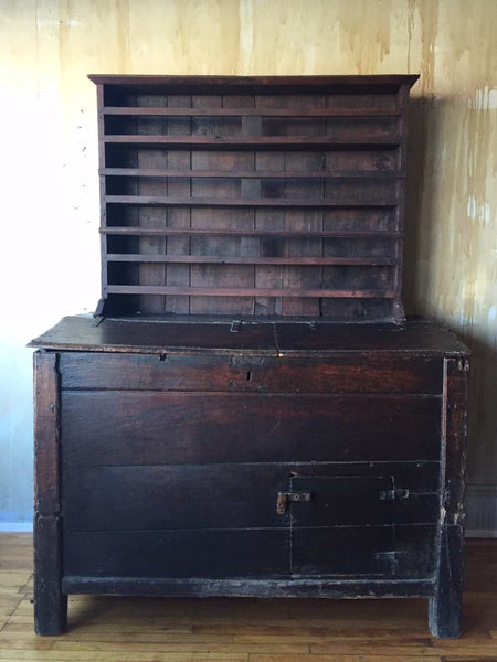 Italian Antique Cabinet With Plate Rack - Mercato Antiques - 1