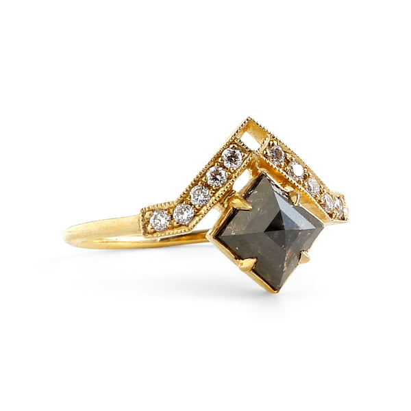 Artio Ring with Black Diamond