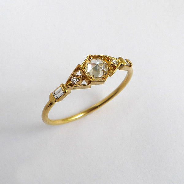 Abris Vestra Ring with White Rose Cut Diamond