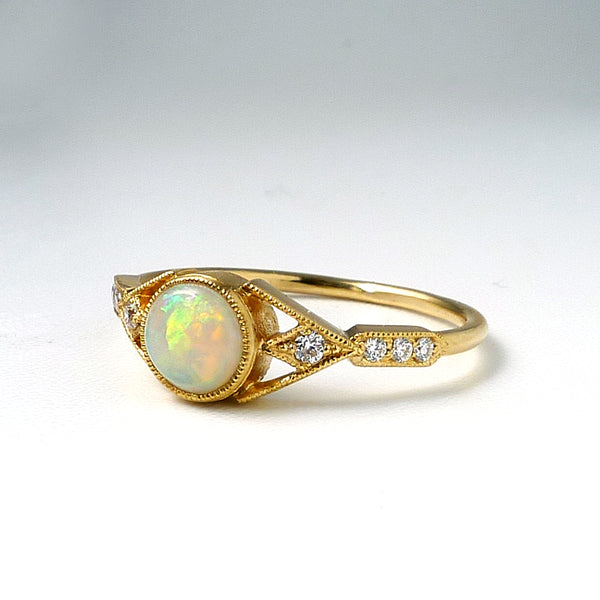 Aestas Ring with Opal