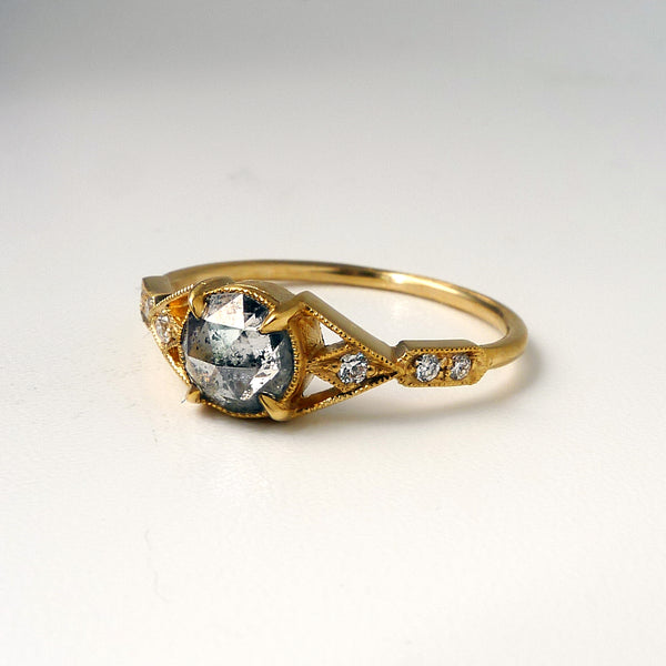 Aestas Ring with Salt and Pepper Diamond