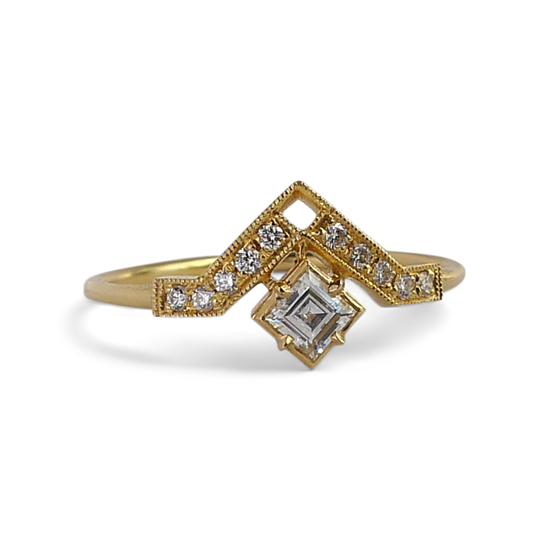 Artio Ring w/ White Diamond Step Cut