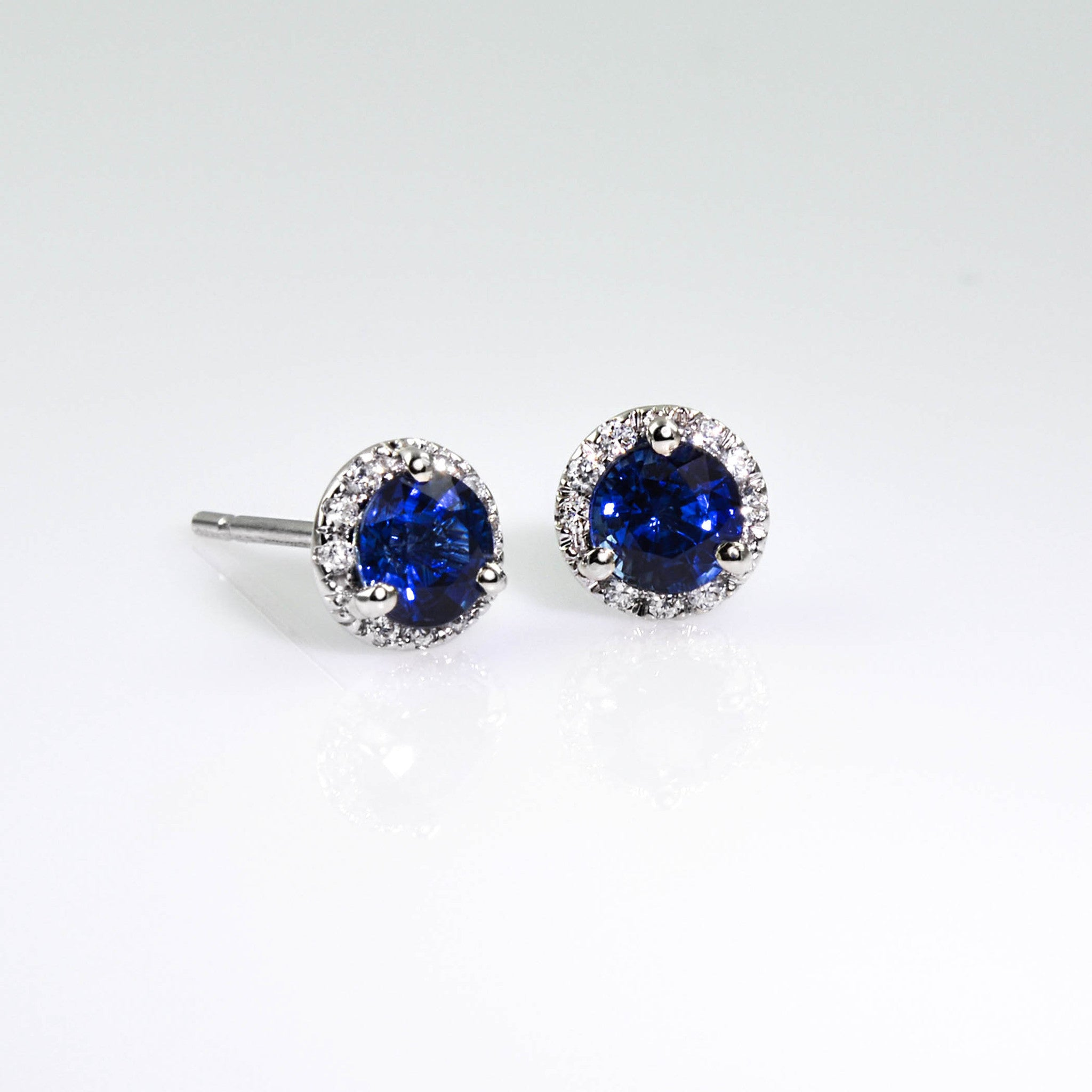 earrings gold white center halo stud universe of diamond my
