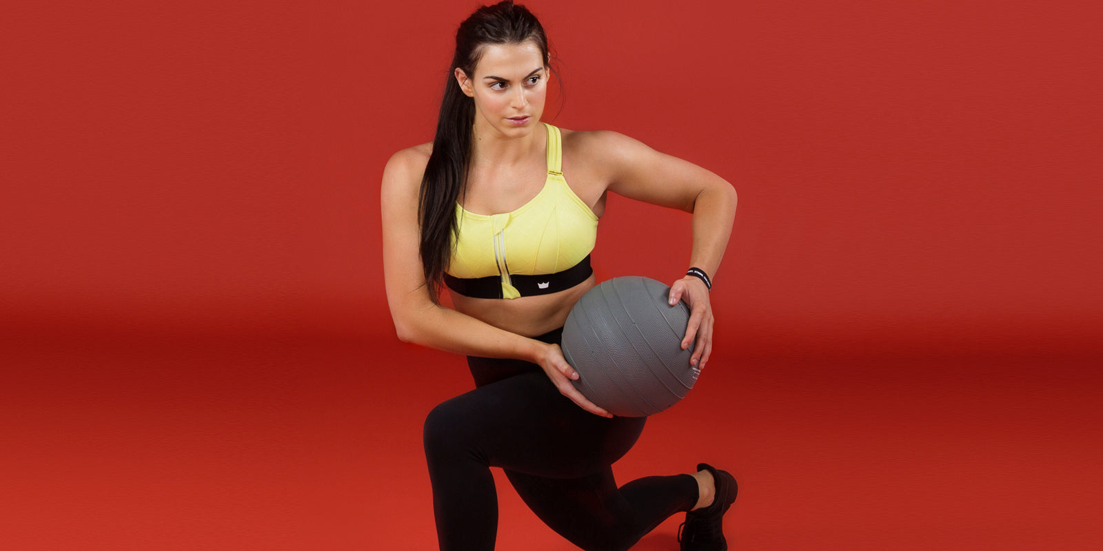 4 of the Best Stability Ball Superset Exercises