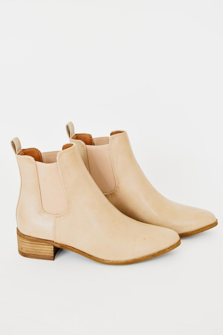 Tahlia Ankle Bootie with Low Wooden Heel - Taupe