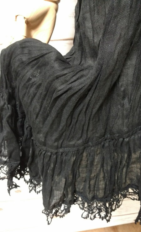 Nicole Slip Black Lace Trim Linen Gauze, USA