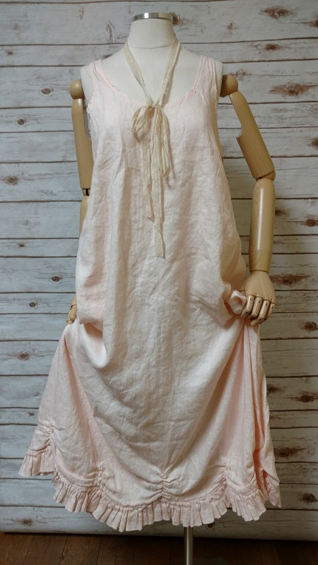 Petal Slip Dress Long in Linen, USA